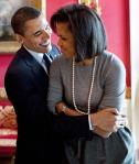 1350409147_barack-obama-michelle-obama-lg